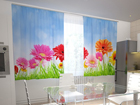 Läpinäkyvä verho BRIGHT GERBERAS IN THE KITCHEN 200x210 cm ED-98580