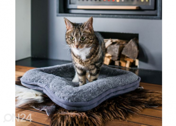 Lemmikkieläimen tyyny, kanttauksella 45x45 cm