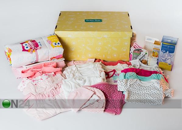 0-6 kuukauden ikäisen tyttövauvan ja äidin laatikko