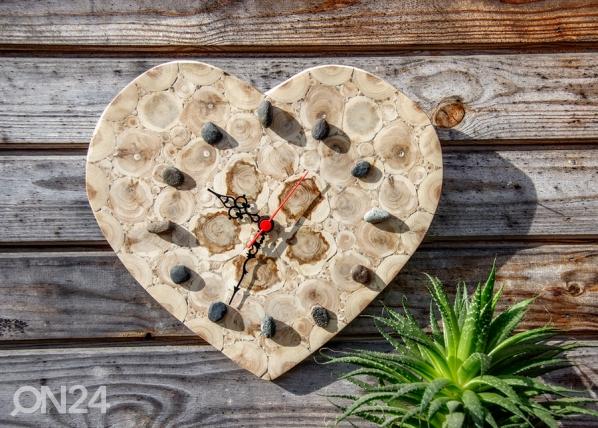 Sydämen muotoinen kello