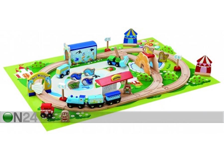 Puinen junarata ja kaupunki UP 72636  ON24 Lasten maailma